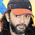 rakeysh om prakash mehra is not happy due to mother is no more